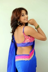 sanjanaa-back-less-photos