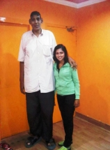 amala-paul-with-a-tall-man