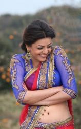 hot-kajal-agarwal-navel-show-in-half-saree