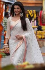 kajal-agarwal-cute-photos-in-white-saree