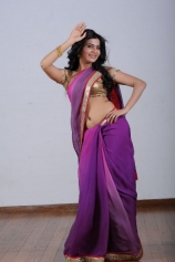 samantha-navel-show-in-purple-saree