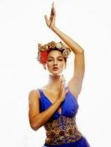 shruthi-hassan-latest-stylish-photoshoot-in-blue-dress