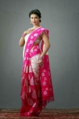 shruthi-hassan-latest-stylish-photoshoot-in-pink-saree