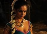 nathalia-kaur-hot-navel-pics