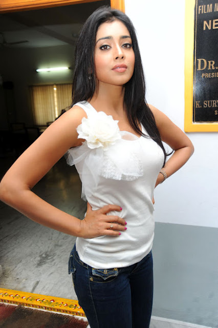 Shriya Saran in Blue jeans