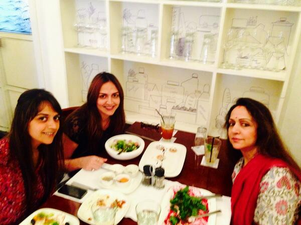 Hema with daughters