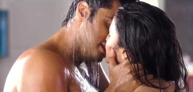 Alia-Bhatt-Hot-Scenes-in-2-States-Movie