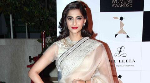 Sonam-Kapoor-Con-Girl