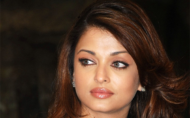 Ex-Lover-Complaints-on-Aishwarya-Rai