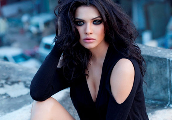 Sara-Loren-Desirable-women-2013