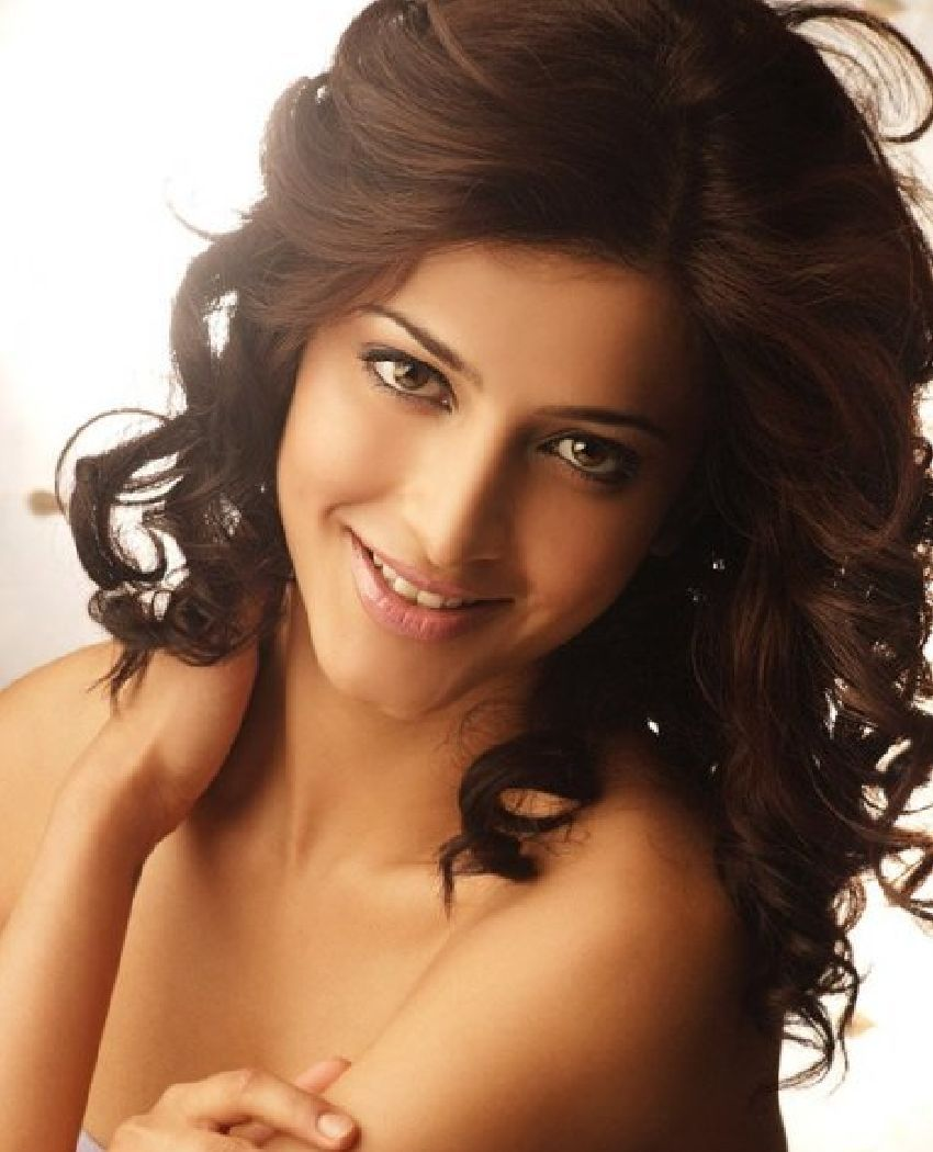 Shruti-Hassan-Desirable-Women-2013