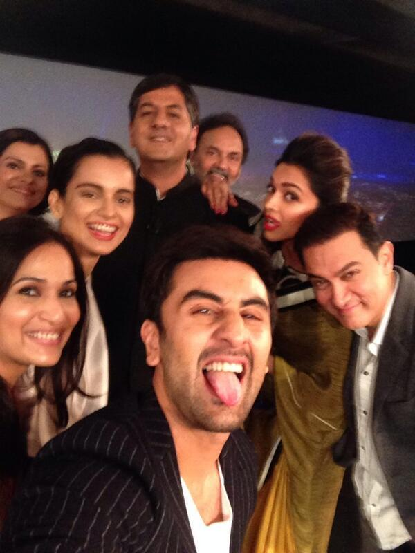 celebs-selfie-ndtv-indian-of-year-awards-ceremony