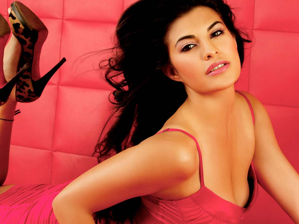 jacqueline-fernandez-Desirable-Women-of-2013