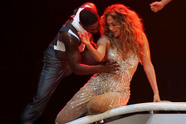 Jennifer-Lopez-wardrobe-malfunction