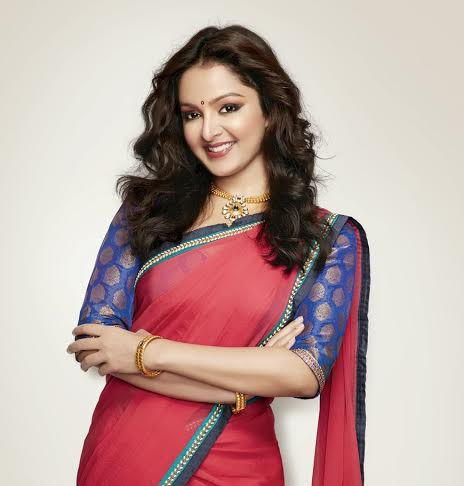Manju-Warrier-Single