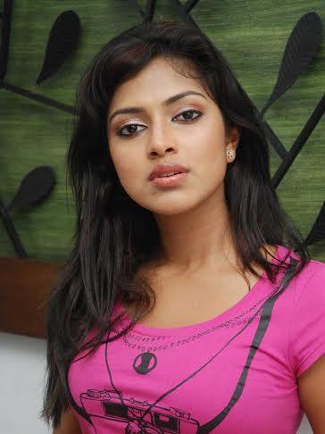 Amala-Paul-Opposite-Mohanlal
