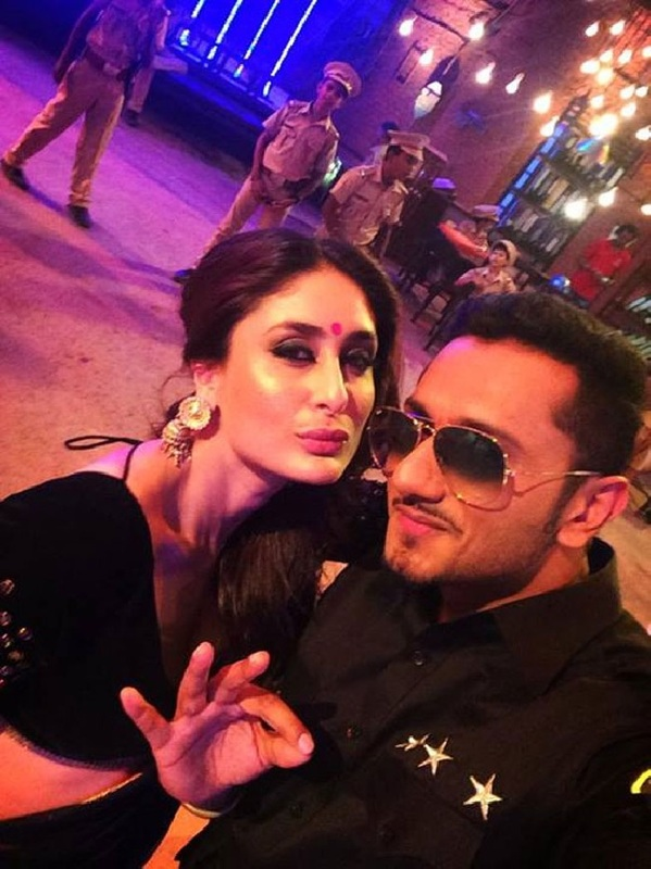 Kareena-Kapoor-Selfie-with-Yo-Yo-Honey-Singh