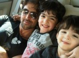 Hrithik-Roshan-with-his-Sons