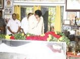Balakrishna-Pay-Tribute-To-Bapu-Photos