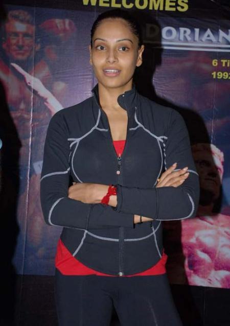 Bipasha-Basu-without-makeup-pic