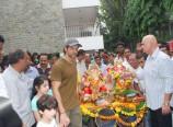 Hrithik-Roshan-at-Ganesh-Idol-Immersion-Photos