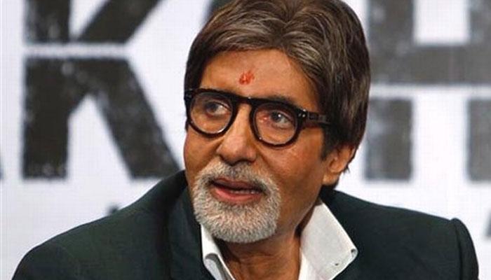Amitabh Bachchan at Kolkata for PIKU