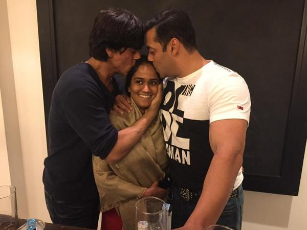 SRK Gift to Arpita