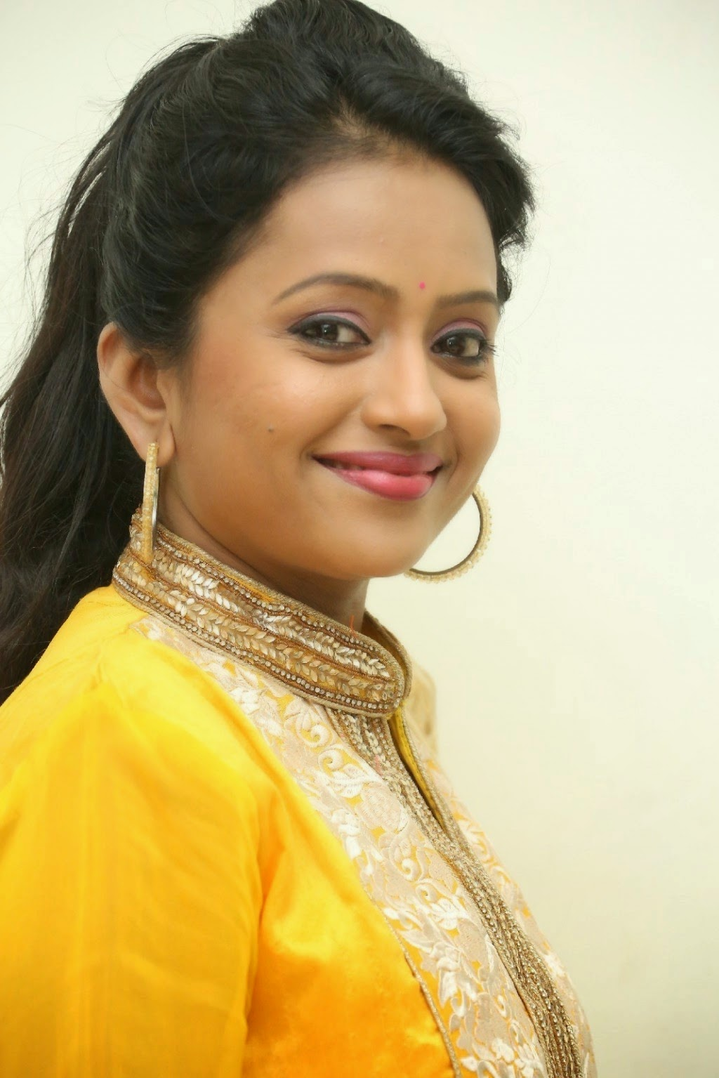 TV Anchor Suma