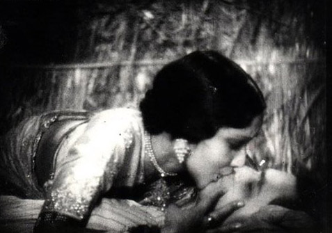 Devika Rani and Himasnhu Rai Kiss Scene