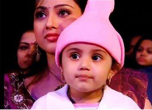 Meena Daughter Nainika