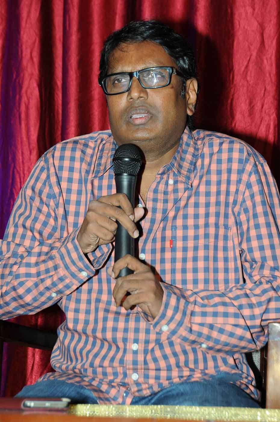 Gunasekhar Indirect Satires on Baahubali