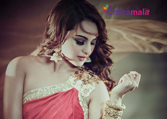 Sonakshi Sinha Charges Rs 10 Lakhs Per Hour
