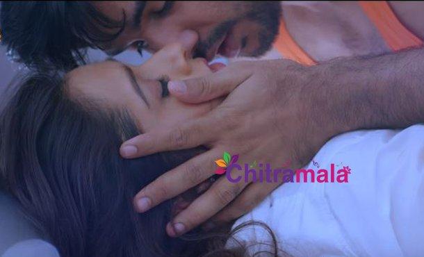 Rashmi Gautam and Siddhu Kiss Scene