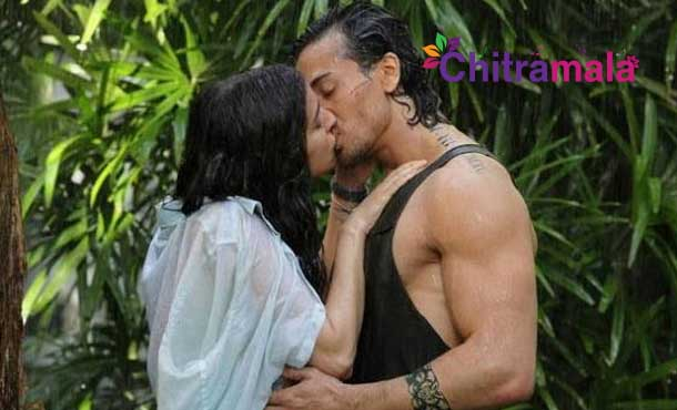 Tiger Shroff and Shraddha Kapoor Kiss Scene
