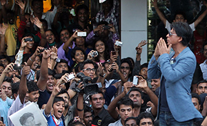 SRK With Fans