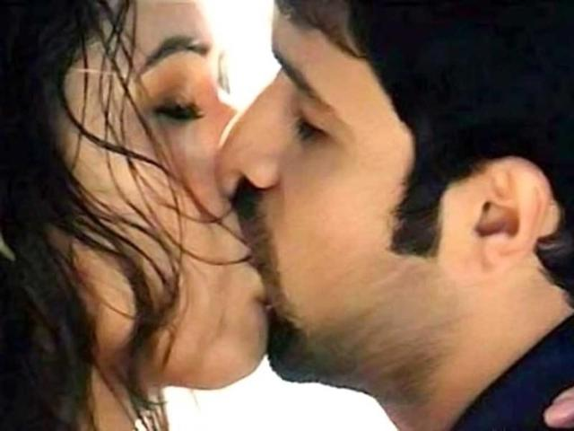 Emraan Hashmi Lip Locks