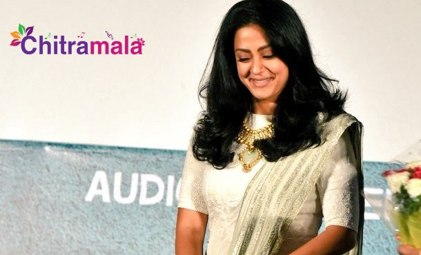 Jyothika Comments On Directors