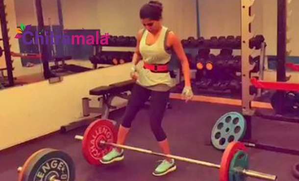 Samantha GYM Video