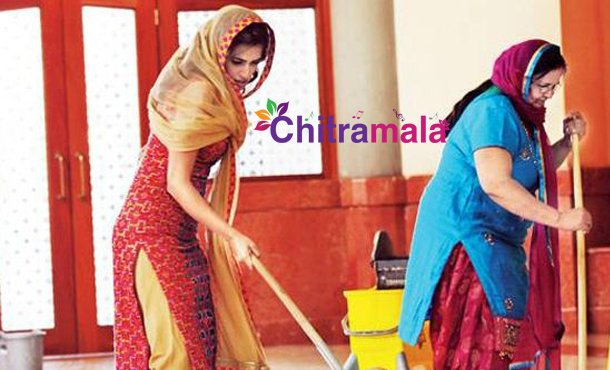 Kriti Kharbanda Turns Sweeper