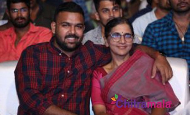 Pelli Choopulu Director's mother turns actor