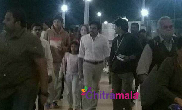 Powerstar takes a short personal break with his children