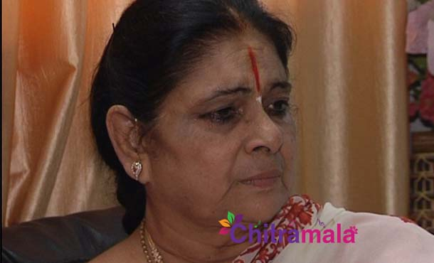Raviteja's mother opens up about drugs issue and Bharat