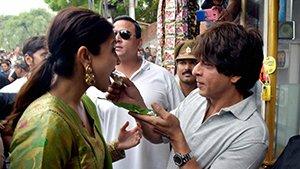 Anushka and SRK in JHMS