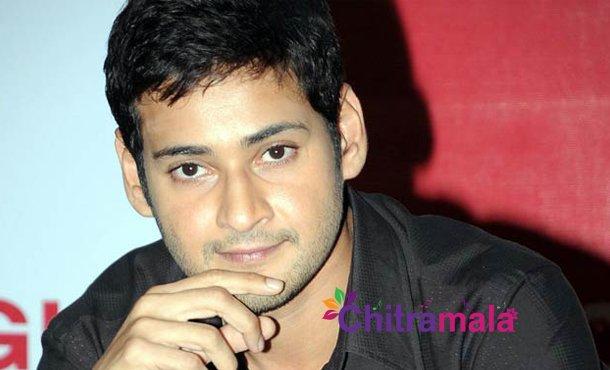 Superstar plans surprise event for Tamil fans