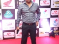 Celebs-at-Mirchi-Awards-2016-Photos (16)
