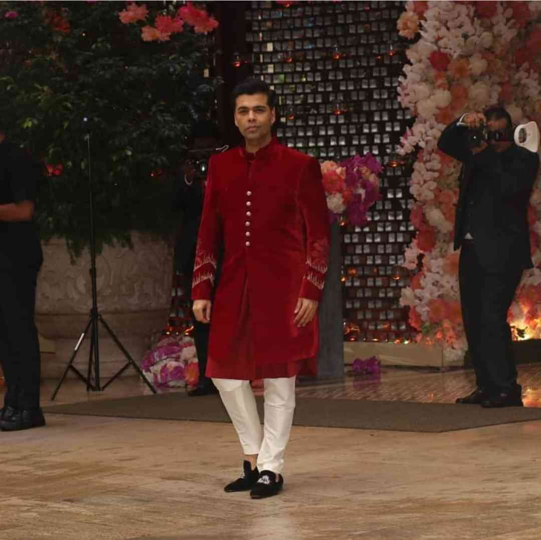Akash-Ambani-Shloka-Mehta-Engagement-Photos (1)