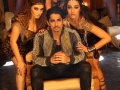 Siddharth-with-3-heroines