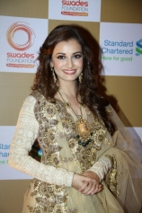 dia-mirza-at-swades-foundation-fundraiser-show-event