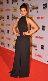 shruthi-hassan-on-red-carpet-at-59th-filmfare-awards