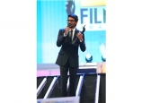 dhanush-at-film-fare-awards-2014-photos